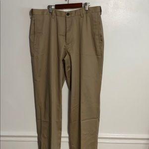 Haggar H26 khakis cotton/poly blend